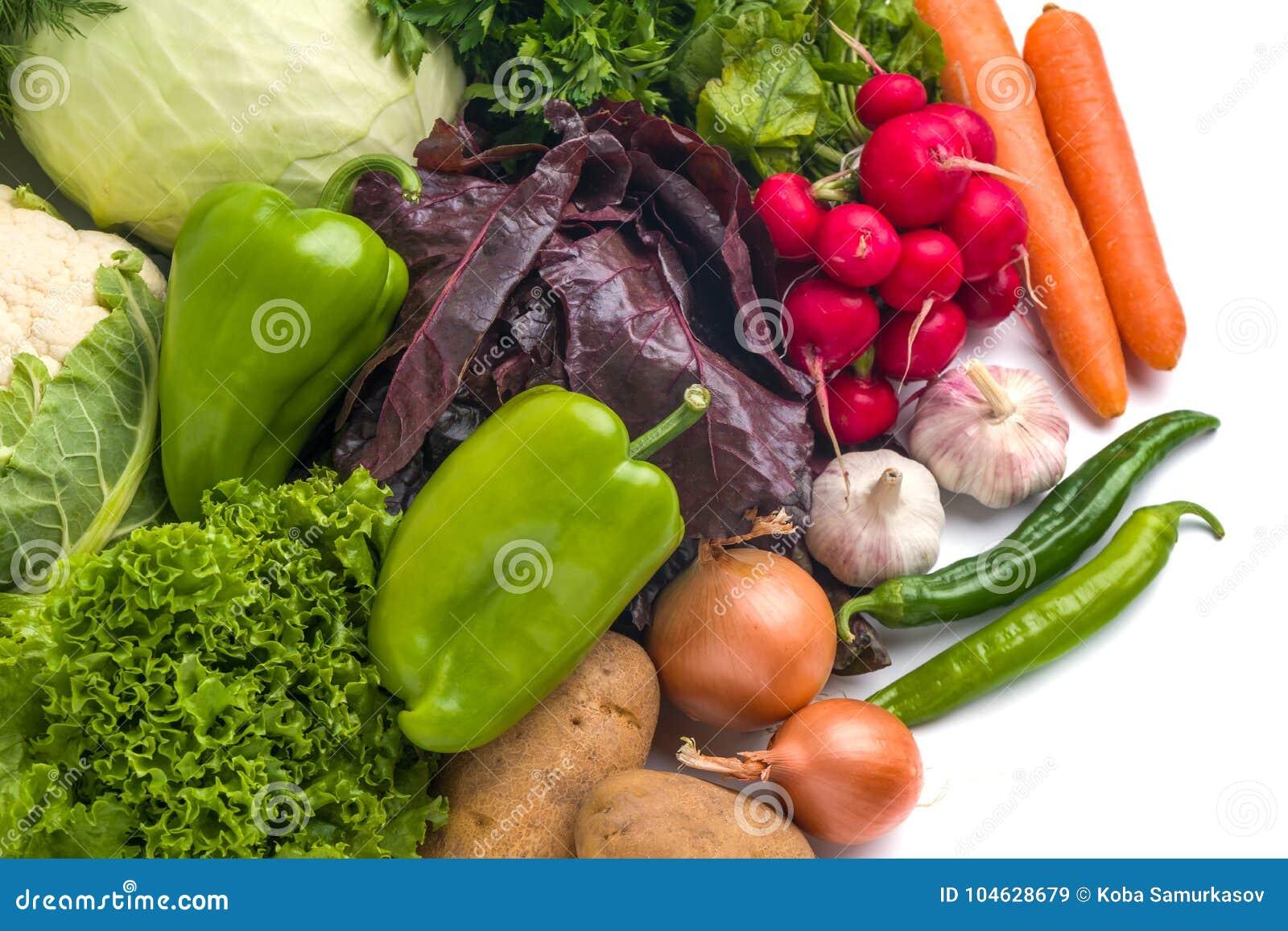 Download Sluit Omhoog Van Diverse Kleurrijke Rauwe Groenten Op Witte Achtergrond Stock Afbeelding - Afbeelding bestaande uit divers, naughty: 104628679