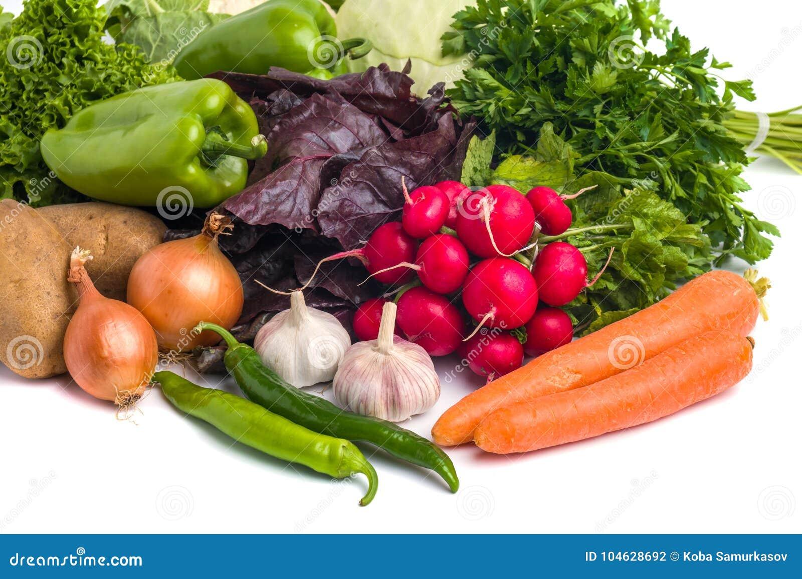 Download Sluit Omhoog Van Diverse Kleurrijke Rauwe Groenten Op Witte Achtergrond Stock Foto - Afbeelding bestaande uit rood, peper: 104628692