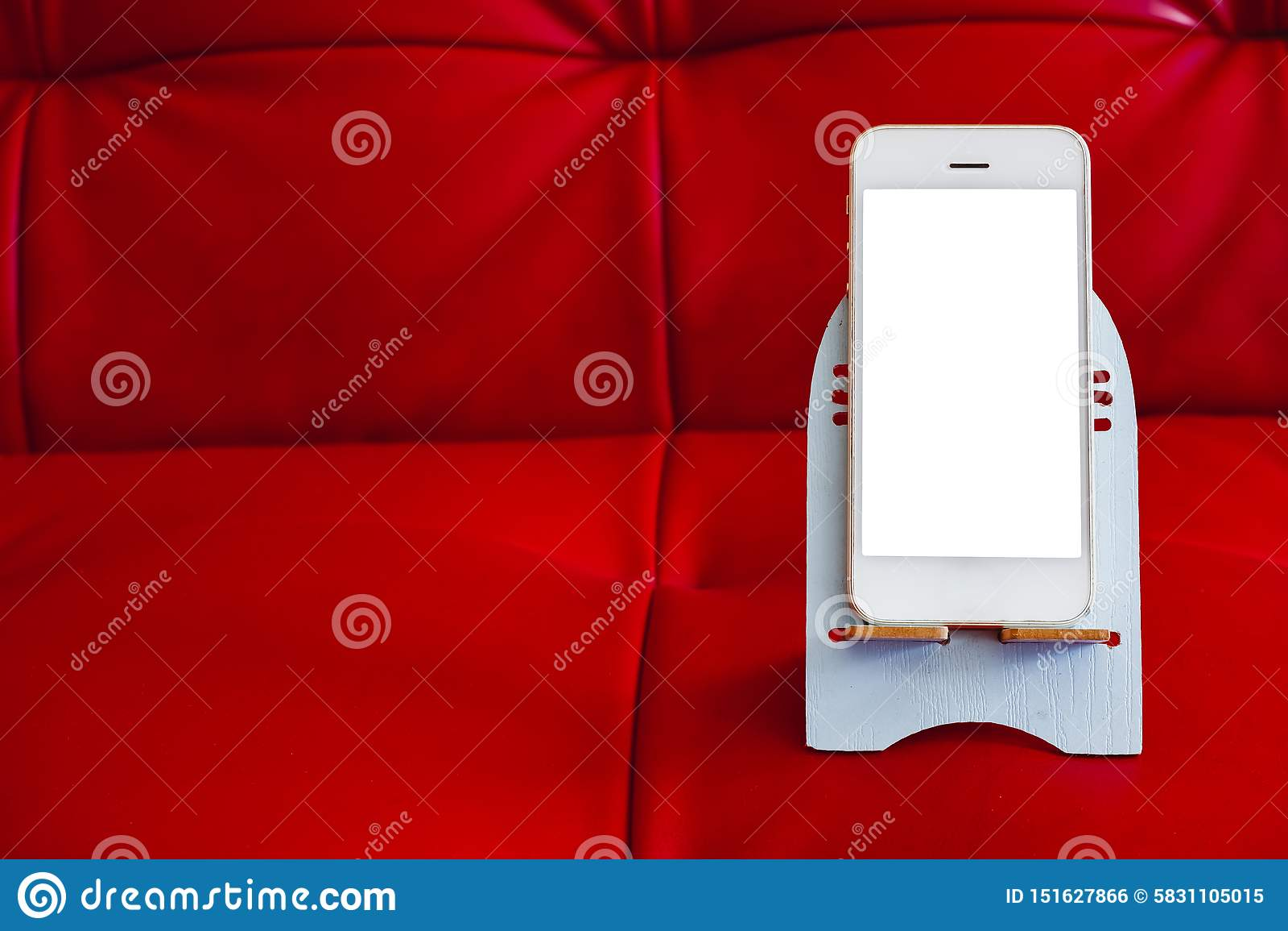 Sluit omhoog van smartphone met het witte scherm