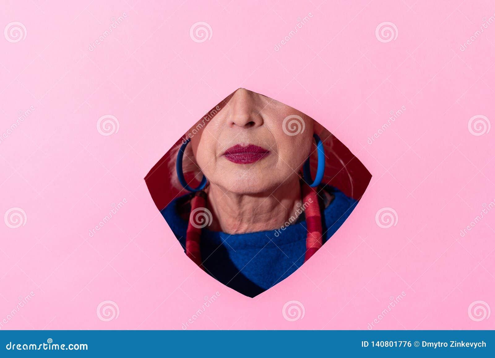 Sluit van rijp dat model omhoog dringende lippen