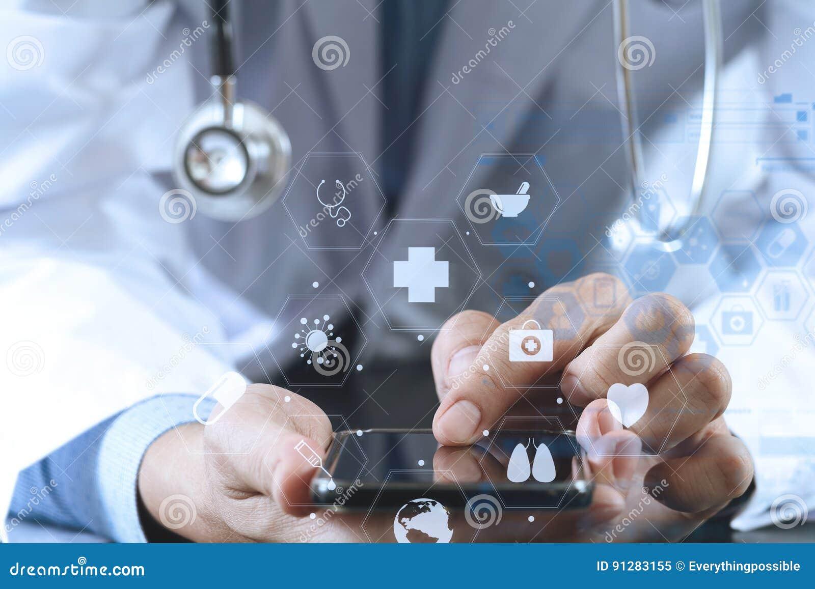 Slut upp av den smarta medicinska doktorn som arbetar med den smarta telefonen och st