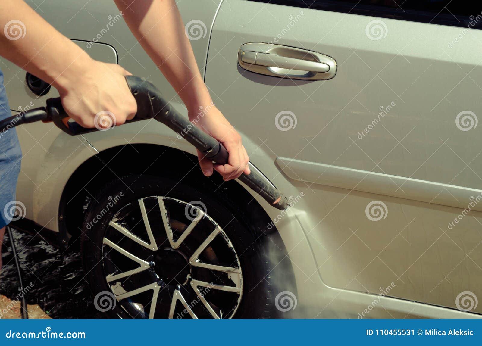 Slut upp av tvagningen för bilhjul