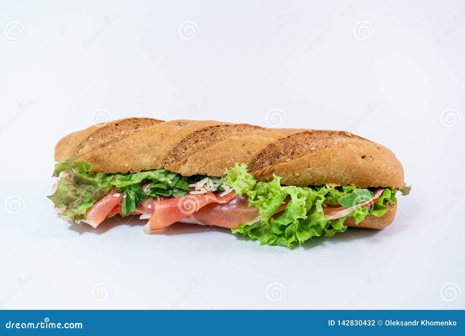 Smörgås med prosciutto-, parmesan- och grönsallatsikt från över