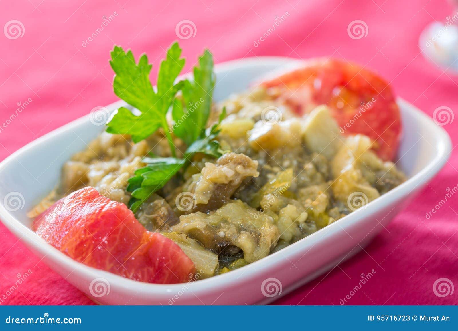 Smażąca oberżyny puree sałatkowej zakąski turecka kuchnia