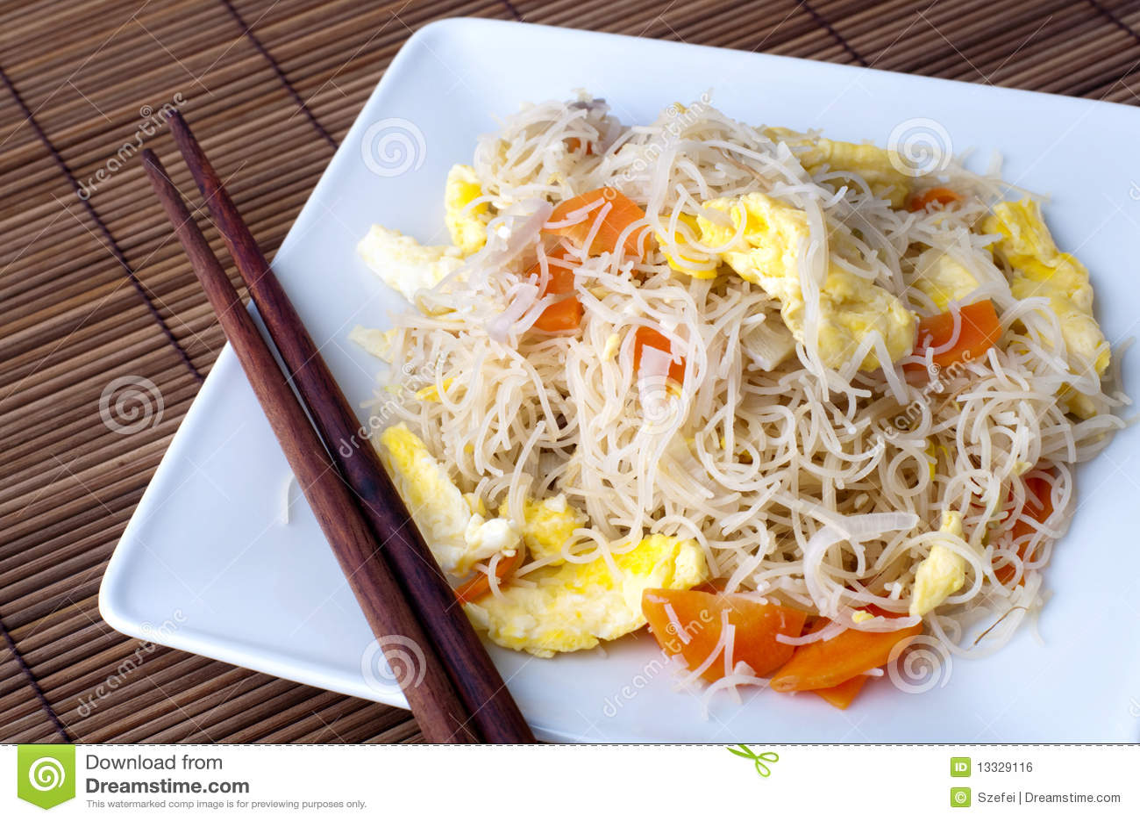 Smażący ryżowi wermiszel