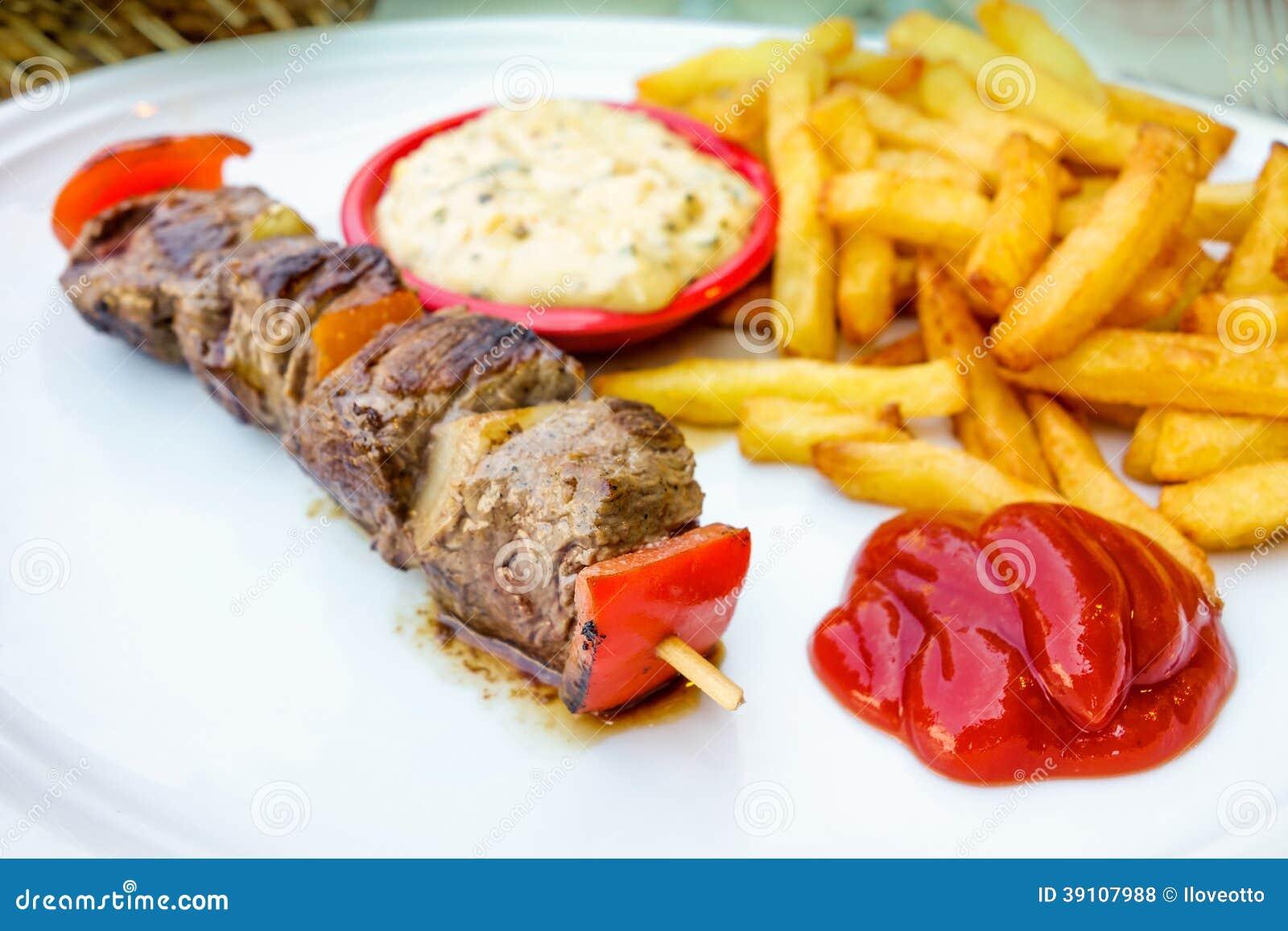 Smakelijke geroosterde vlees en groentenvleespennen