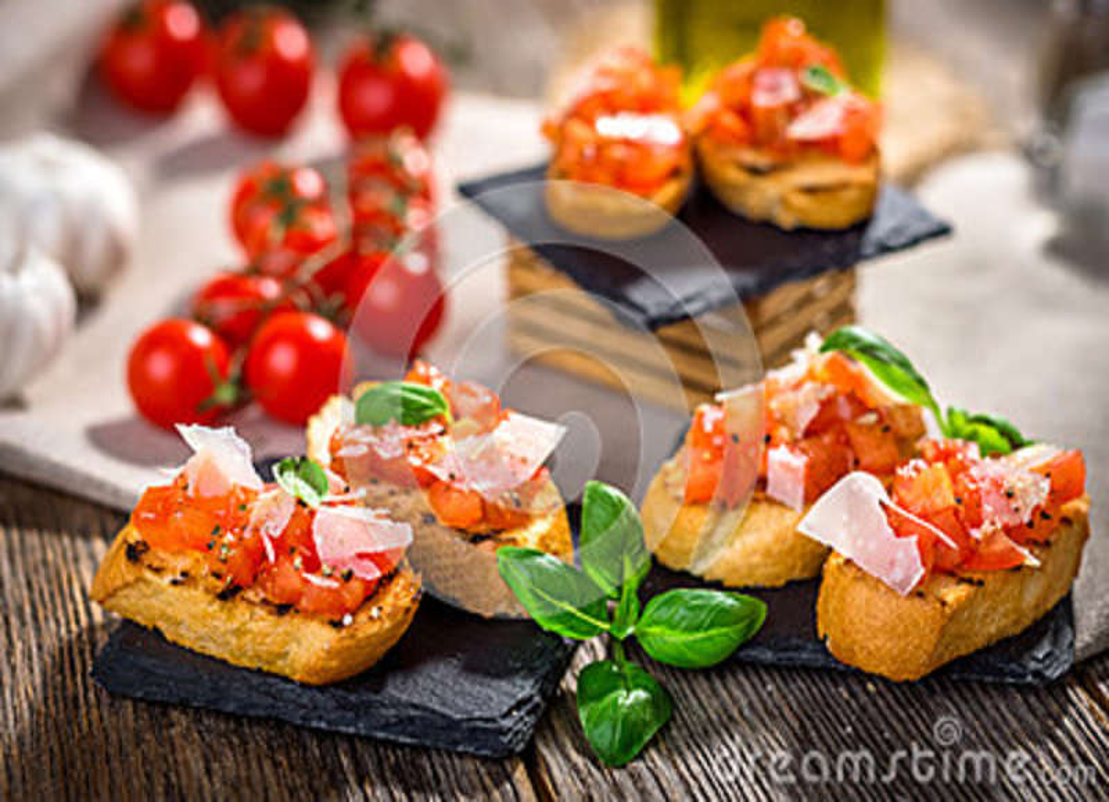Smakowity bruschetta z pomidorem, basil, parmesan, oliwa z oliwek