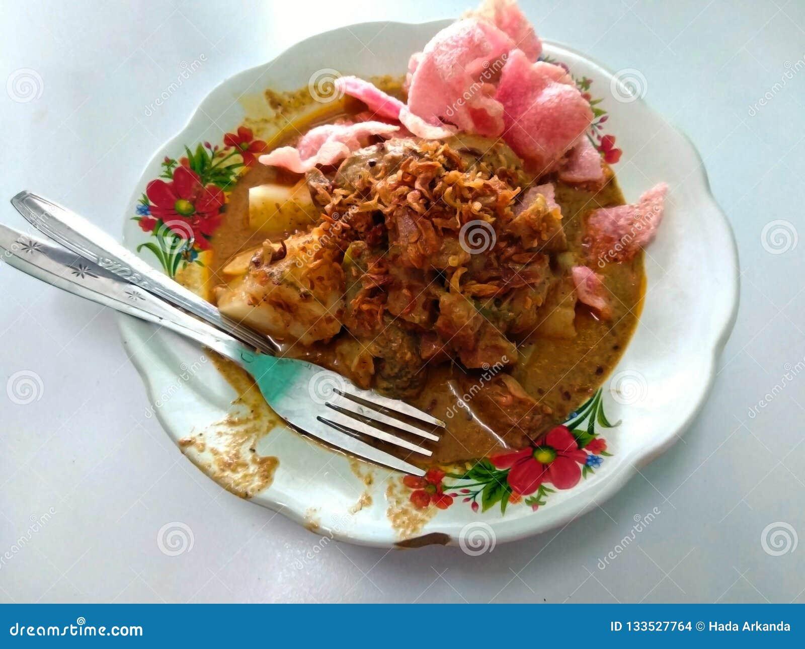 Smakowity indonezyjski jedzenie - azjatykci karmowy lontong
