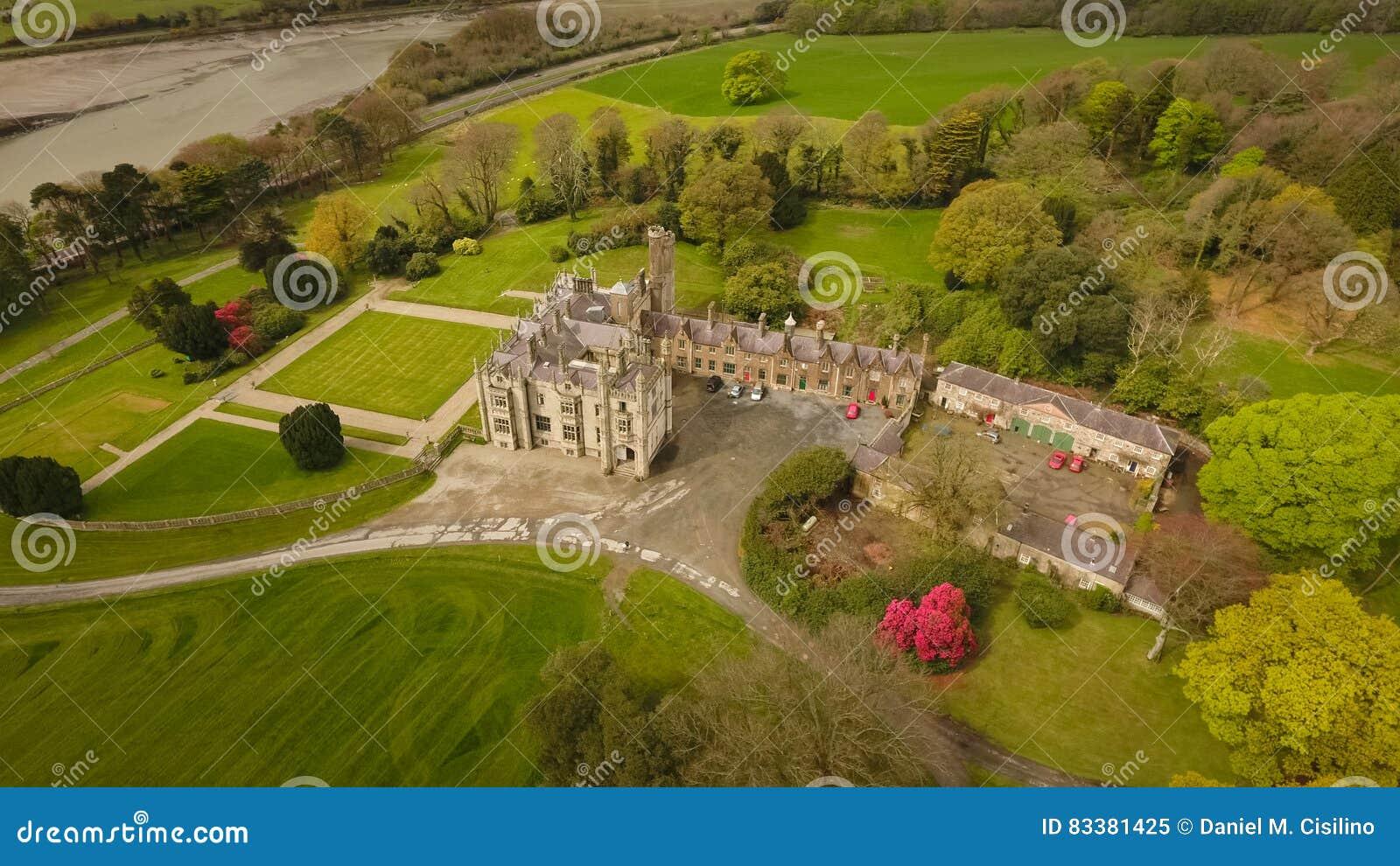 Smal Waterkasteel Newry provincie neer ierland