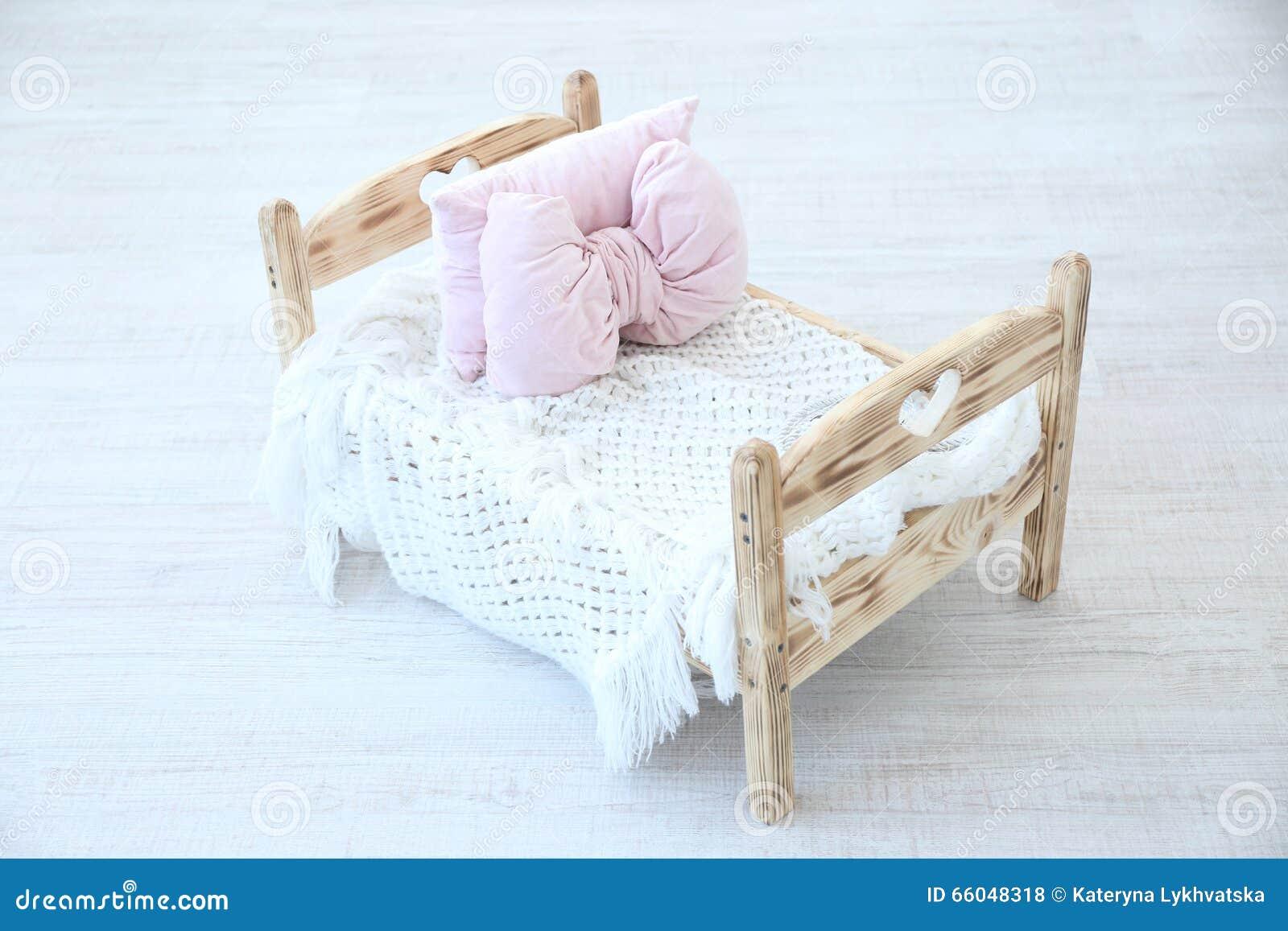 Baby bed newborn - Small Bed For Newborn Baby In Studio