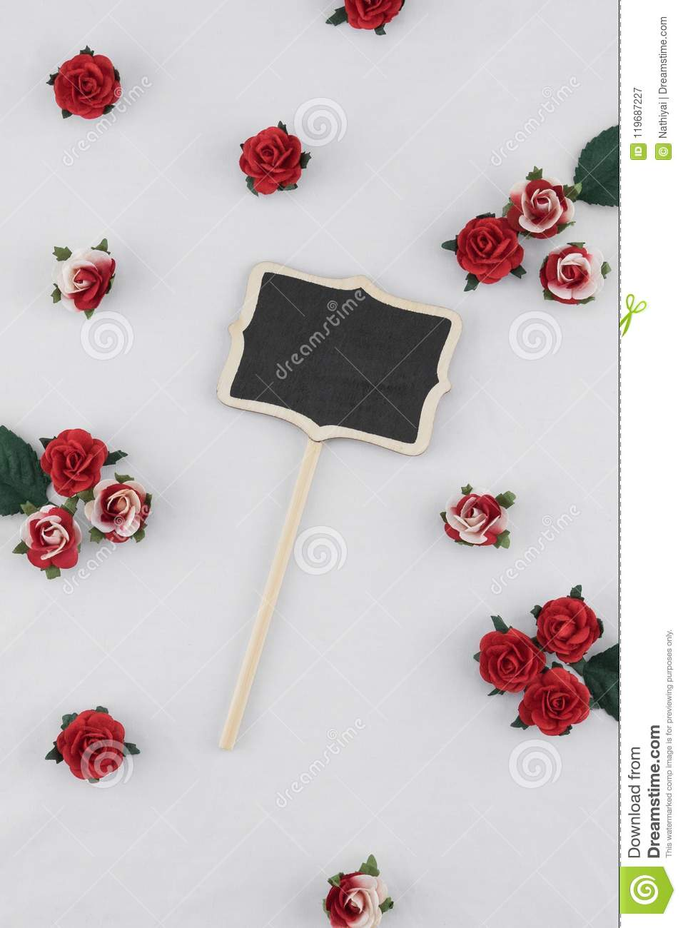 Small Blackboard Decorate With Red Rose Paper Flowers Stock Image