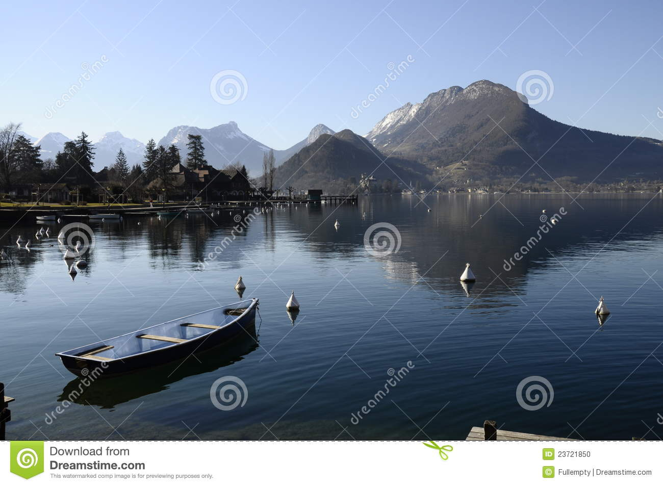Small boat and view of lake annecy