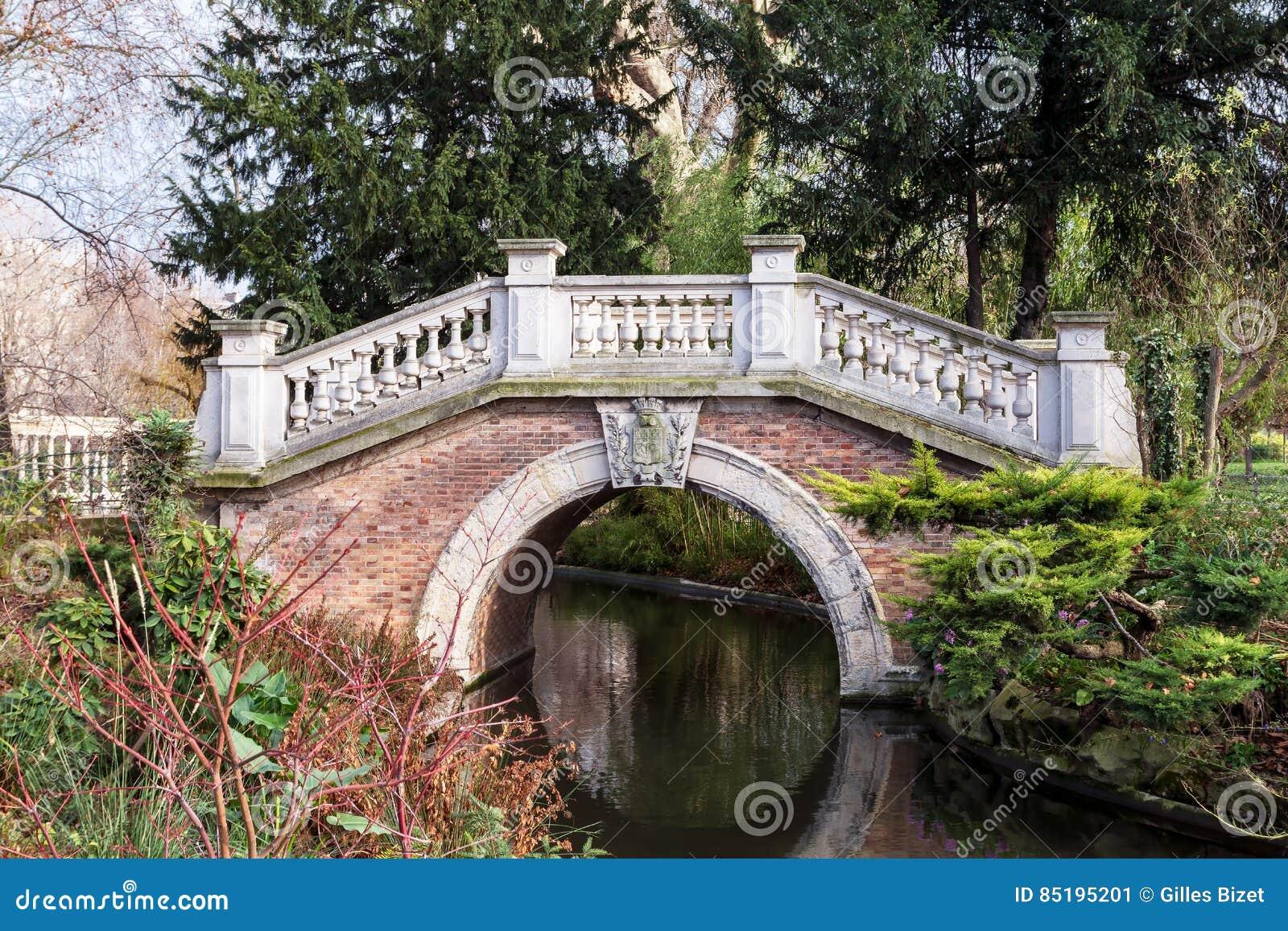 The small bridge of the Parc Monceau in Paris