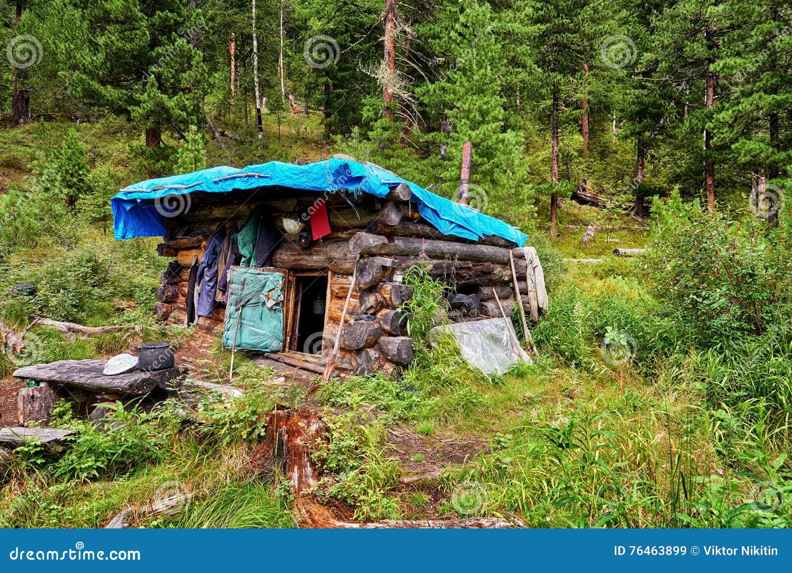 Small buryat winter hut hunting in mountain taiga stock for Hunting hut plans