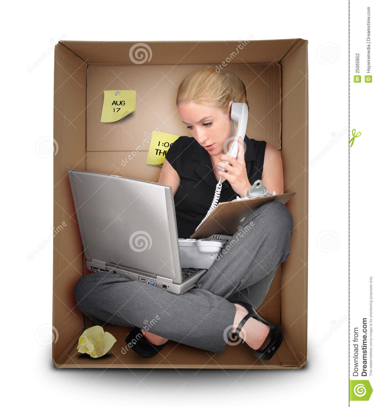 small-business-woman-office-box-25065852.jpg