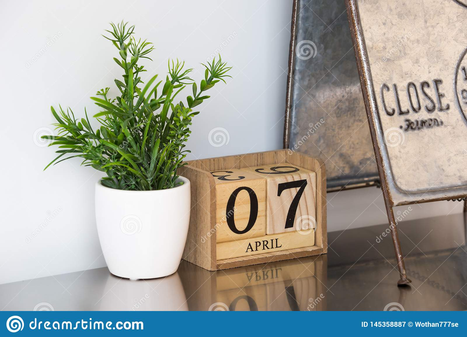 Small calendar wooden made