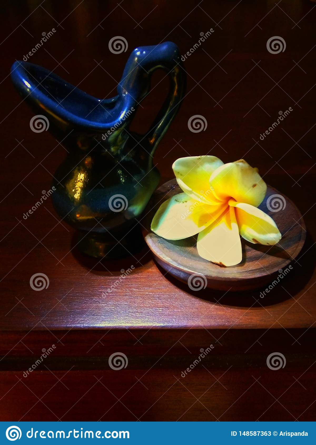 Small ceramic with frangipani flowers