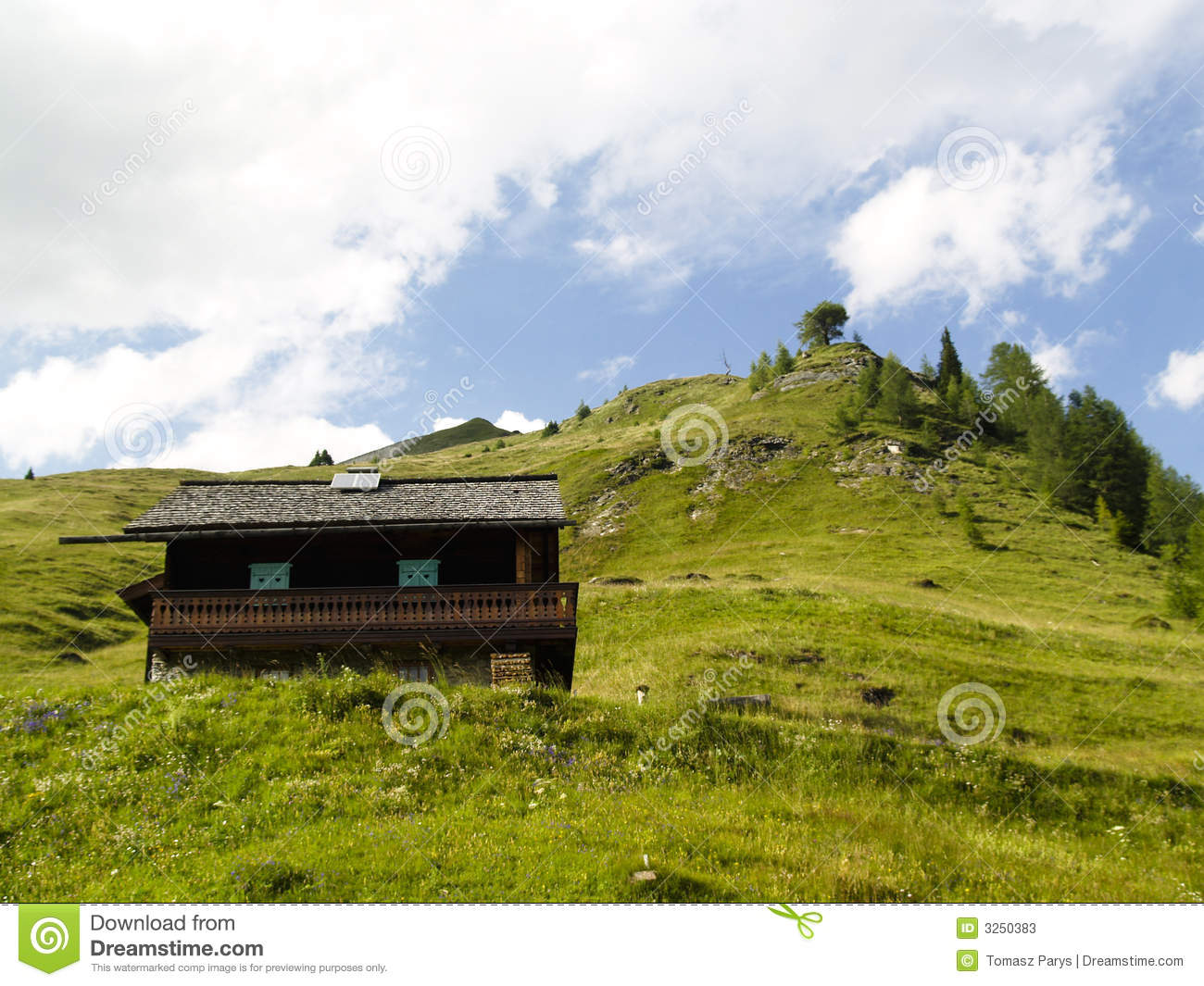 Small Cottage Stock Photos Image 3250383