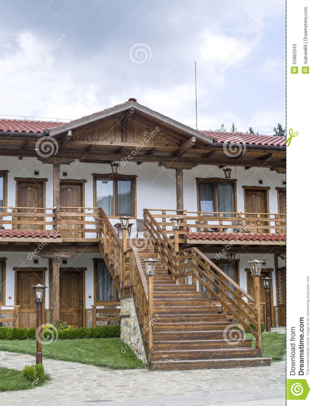 Small country two floors hotel with external staircase for Small country hotels