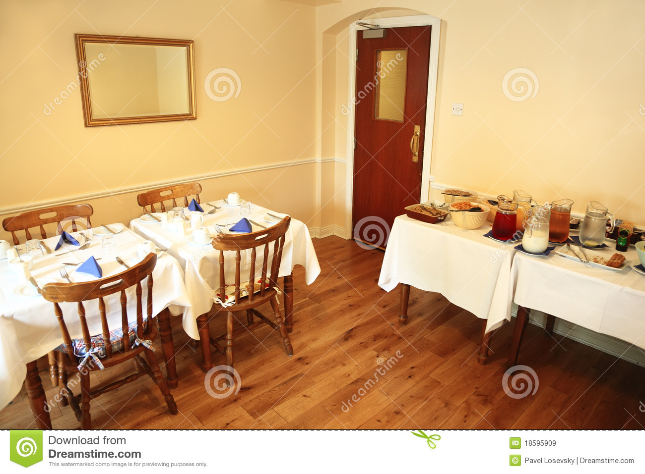 Small Cozy Restaurant With Food On Table Royalty Free