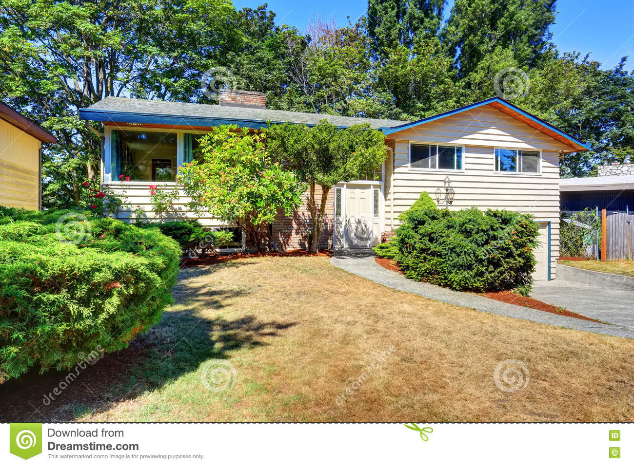 Terrific Small Cute American House With Green Shrubs Stock Photo Image Largest Home Design Picture Inspirations Pitcheantrous