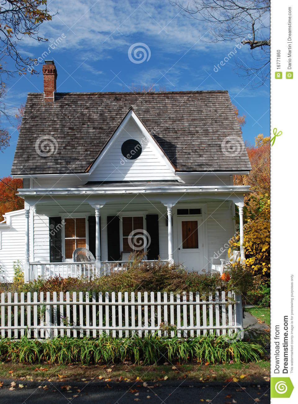 small house in new york state stock photo