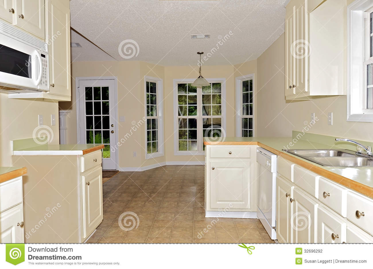 Small Kitchen Dining Area Stock Photography Image 32696292
