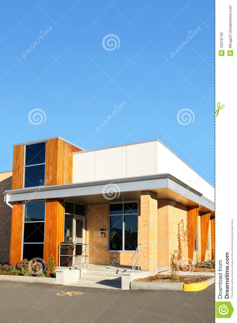 7 886 Small Office Building Photos Free Royalty Free Stock Photos From Dreamstime