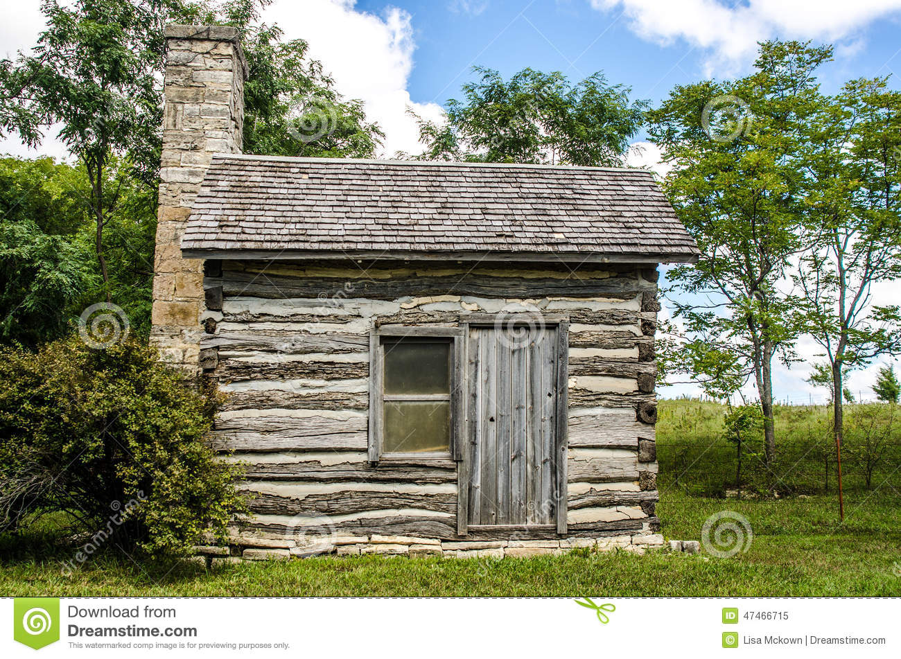 Small Preserved Log Cabin