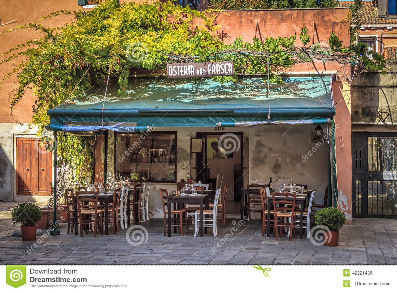 small restaurant in venice editorial stock photo image of lunch