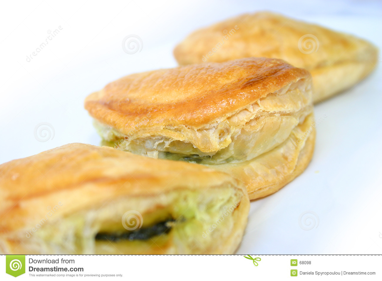 Small spinach pastries