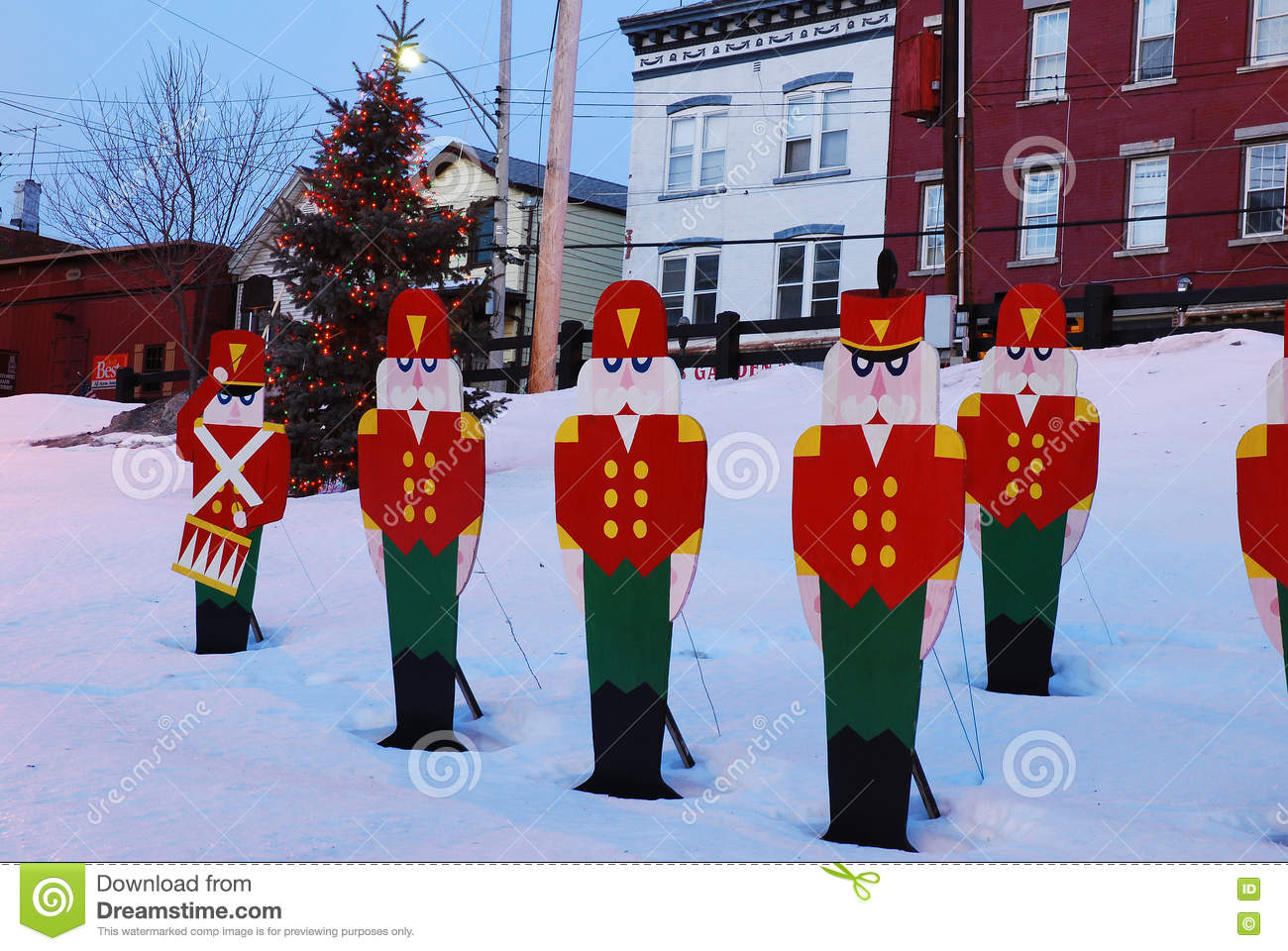 download small town christmas editorial photo image of north 79702281 - Small Town Christmas