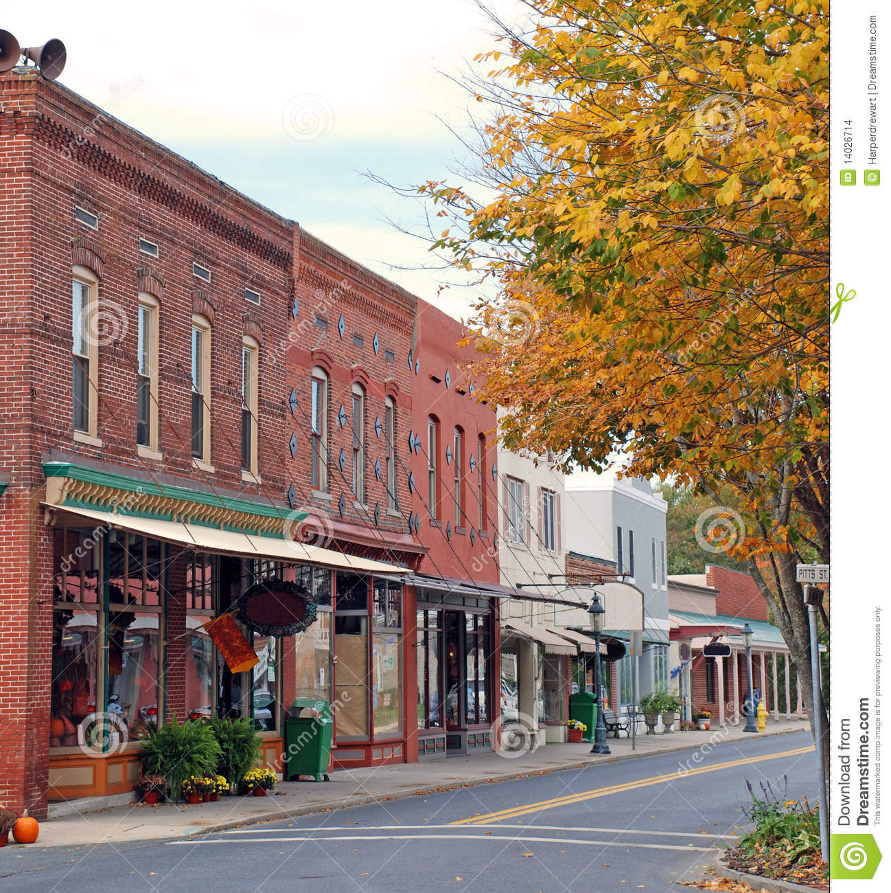 small town main street 1 stock images