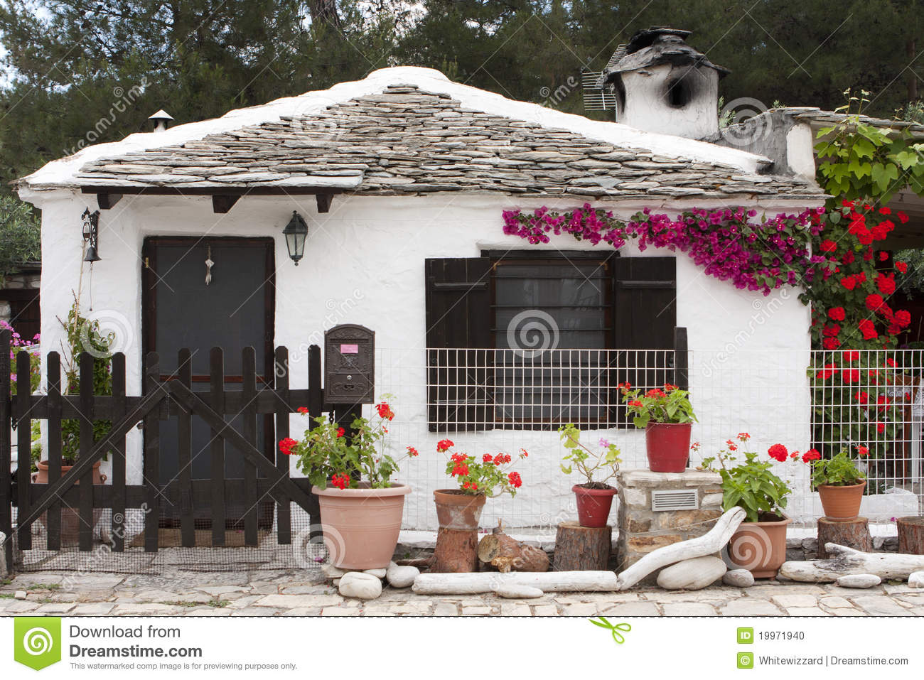 Small traditional greek house stock photo image 19971940 for Small traditional house