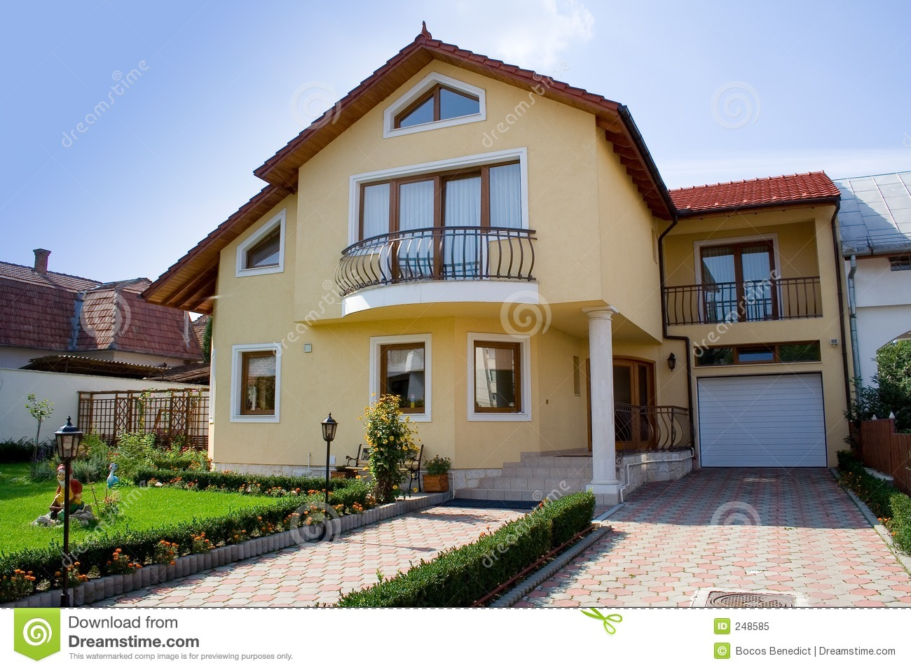 Small villa royalty free stock photo image 248585 for Petite villa design