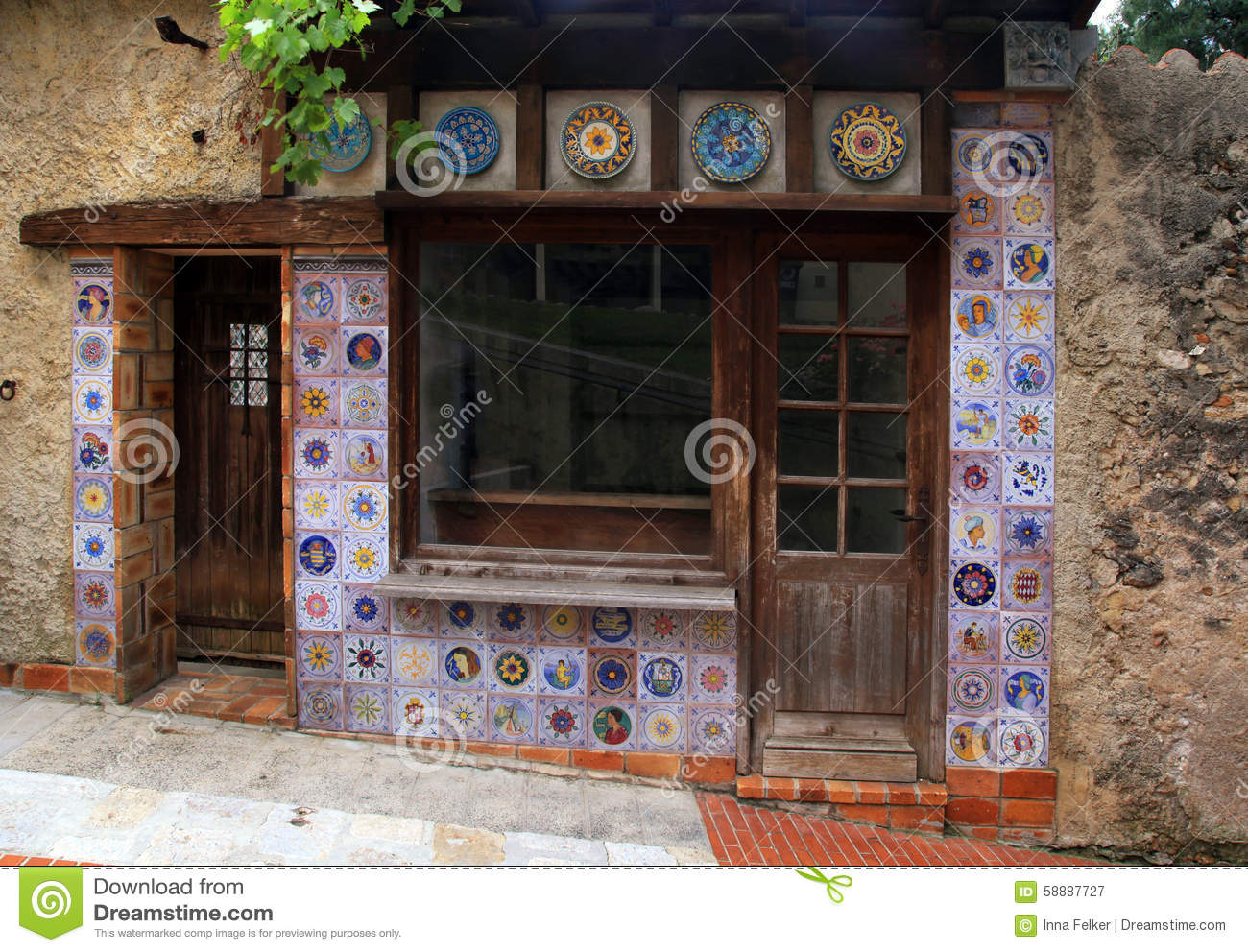 Small vintage house with majolica tile decor