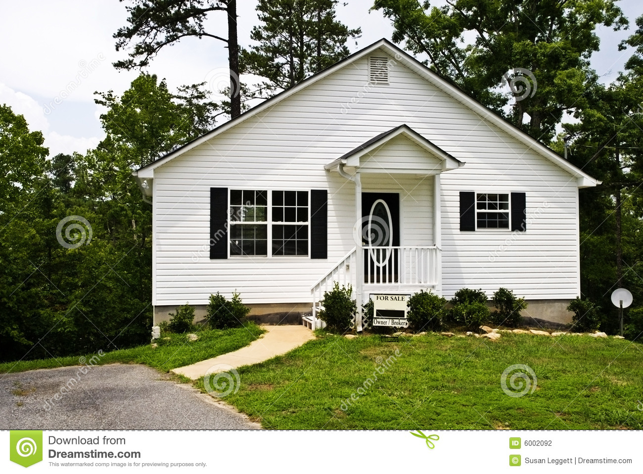 Outstanding Small White House For Sale Stock Photography Image 6002092 Largest Home Design Picture Inspirations Pitcheantrous