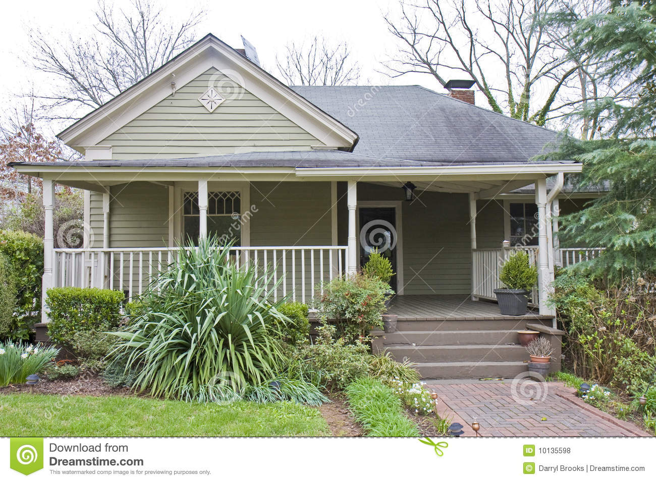 Small Wood Cottage Royalty Free Stock Photos Image 10135598