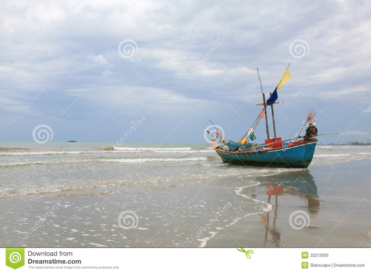 Small Wooden Fishing Boat Parking On The Beach Stock Photos - Image: 25212933