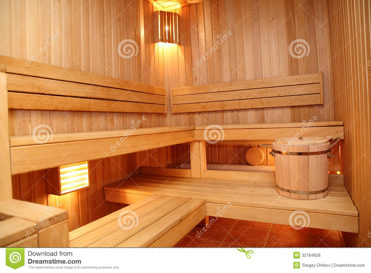 Small Wooden Sauna Royalty Free Stock Photos Image 32184828