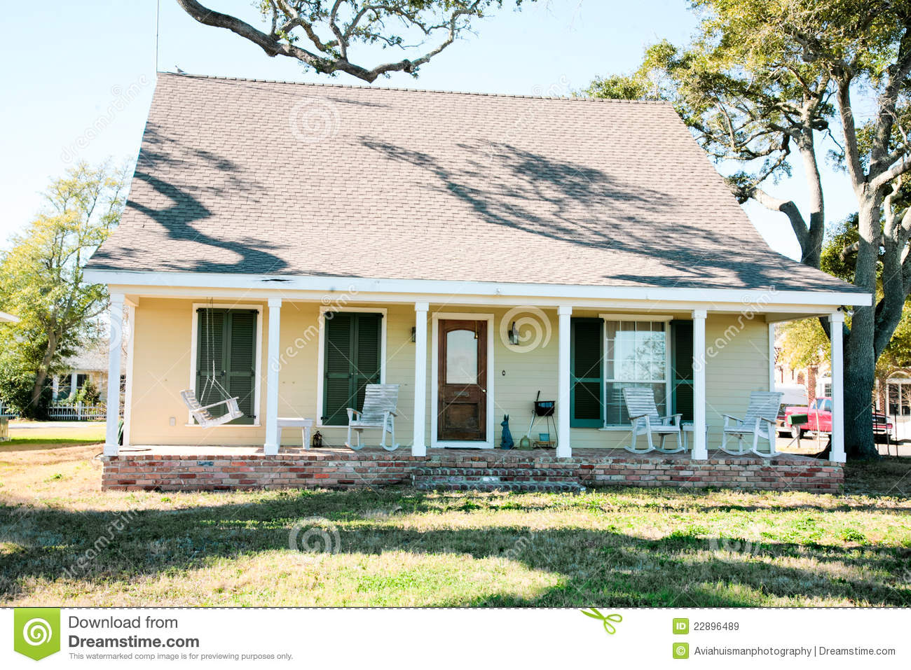 Small Yellow American Home Royalty Free Stock Images