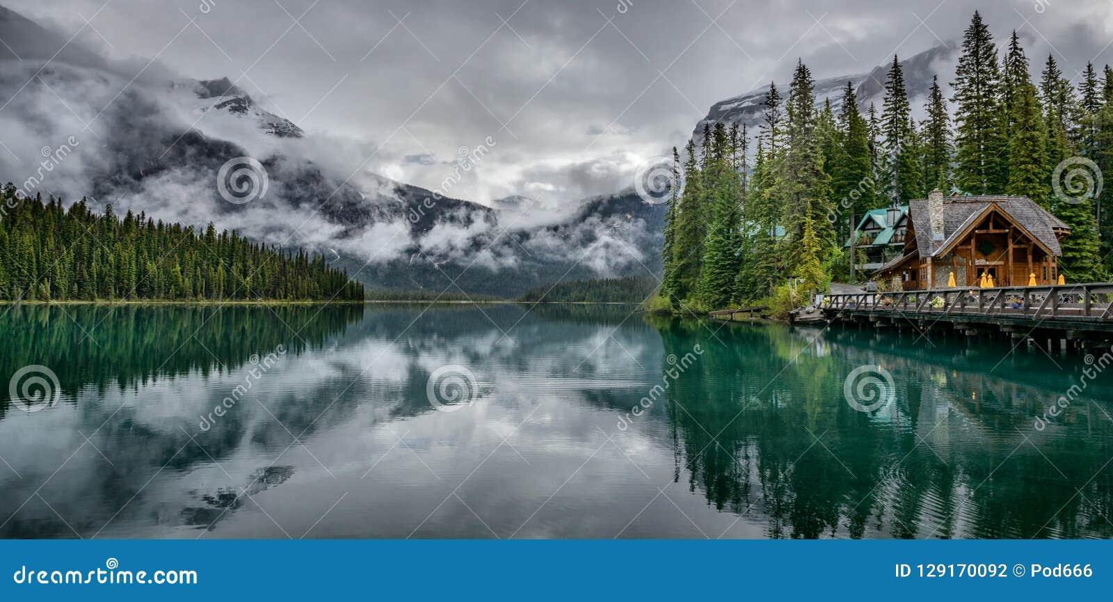 Smaragd sjö Yoho National Park British Columbia Kanada