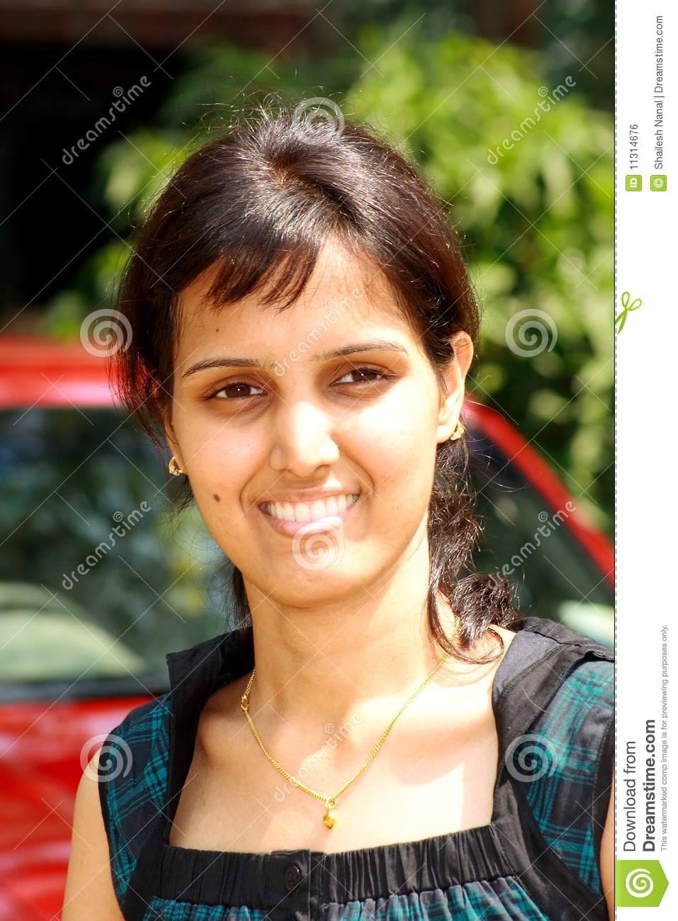 Smart face of an Indian girl - smart-face-indian-girl-11314676