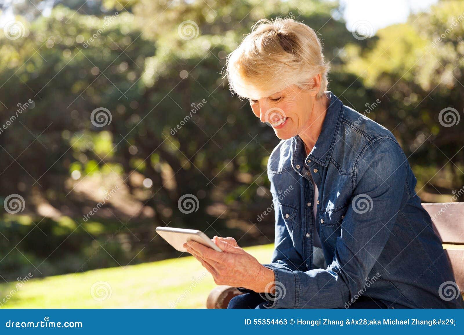 Smart Phone mandante un sms della donna