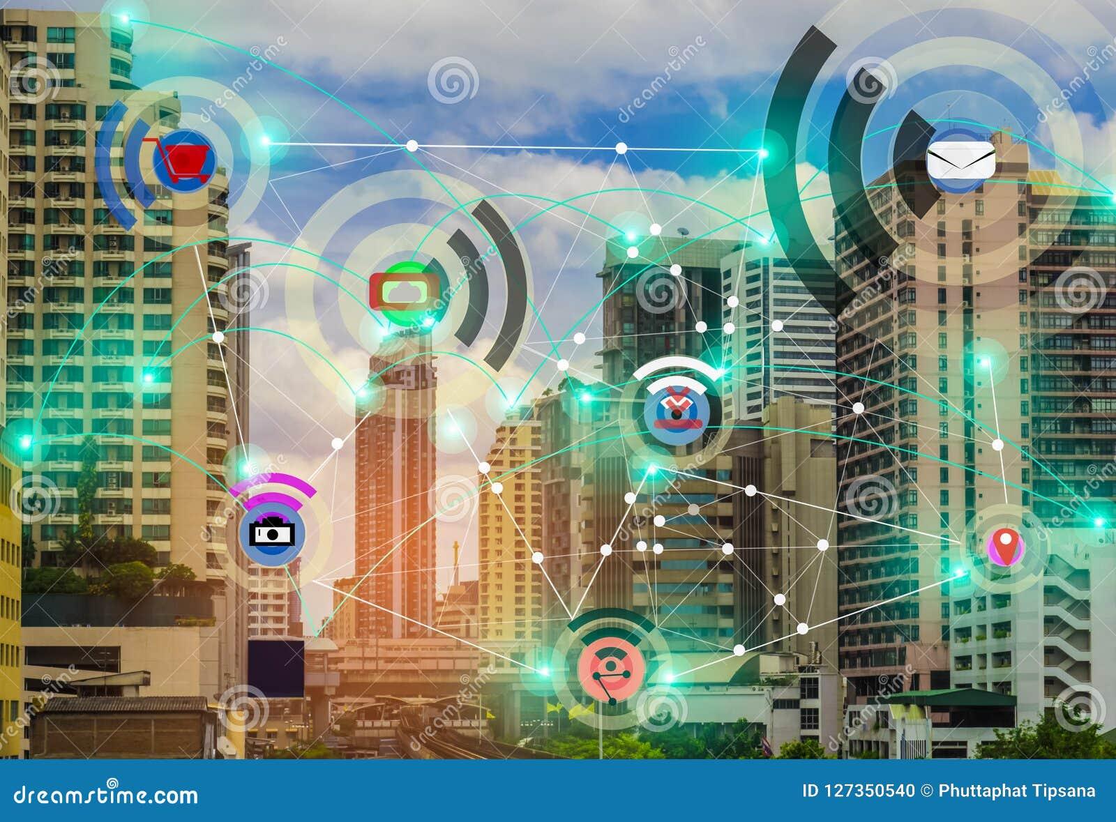 Smart stad och internet för begrepp IOT för radiokommunikationsnätverk av tinget, med bekvämligheten
