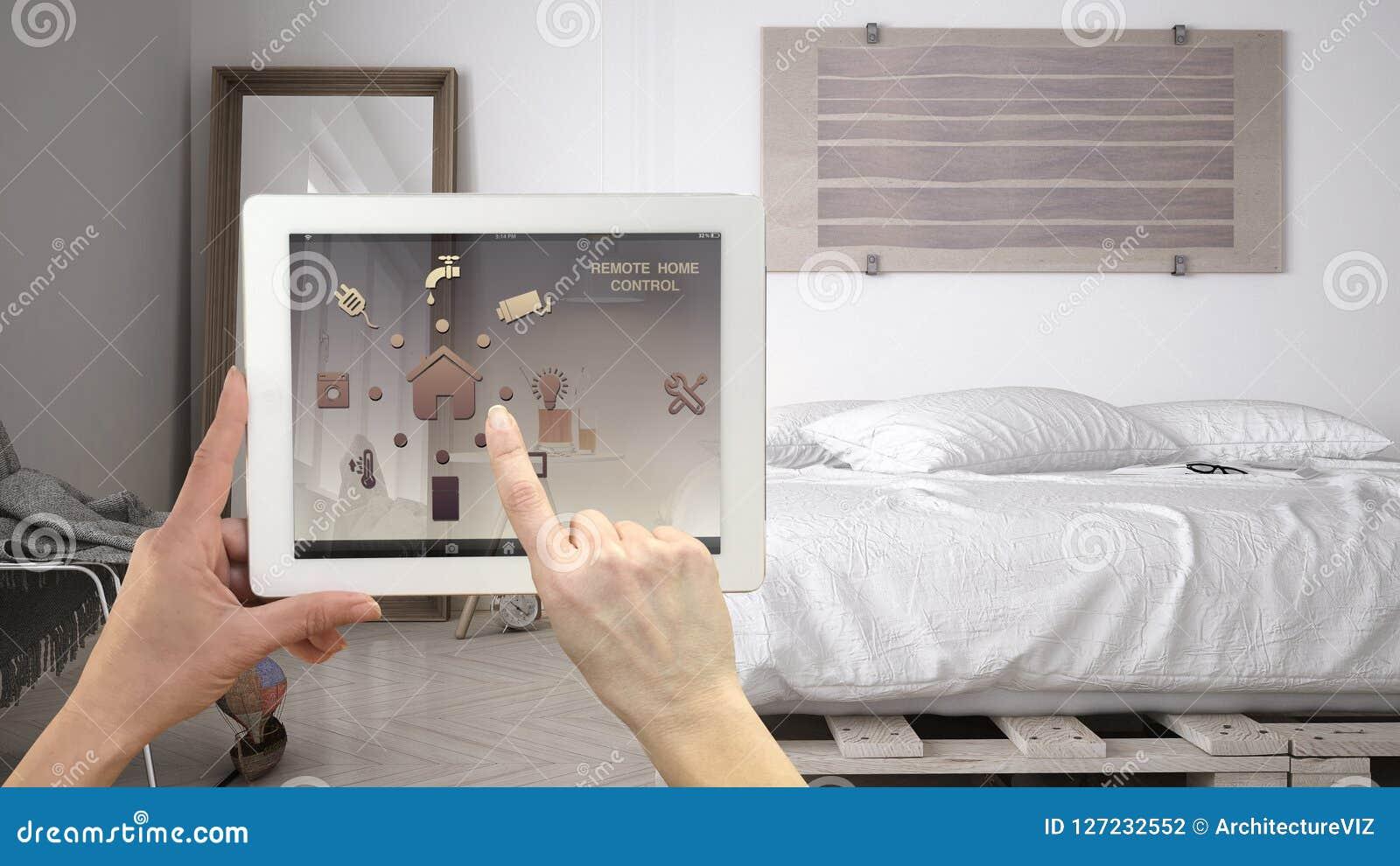 Smart system för fjärrkontrollhemkontroll på en digital minnestavla Apparat med app-symboler