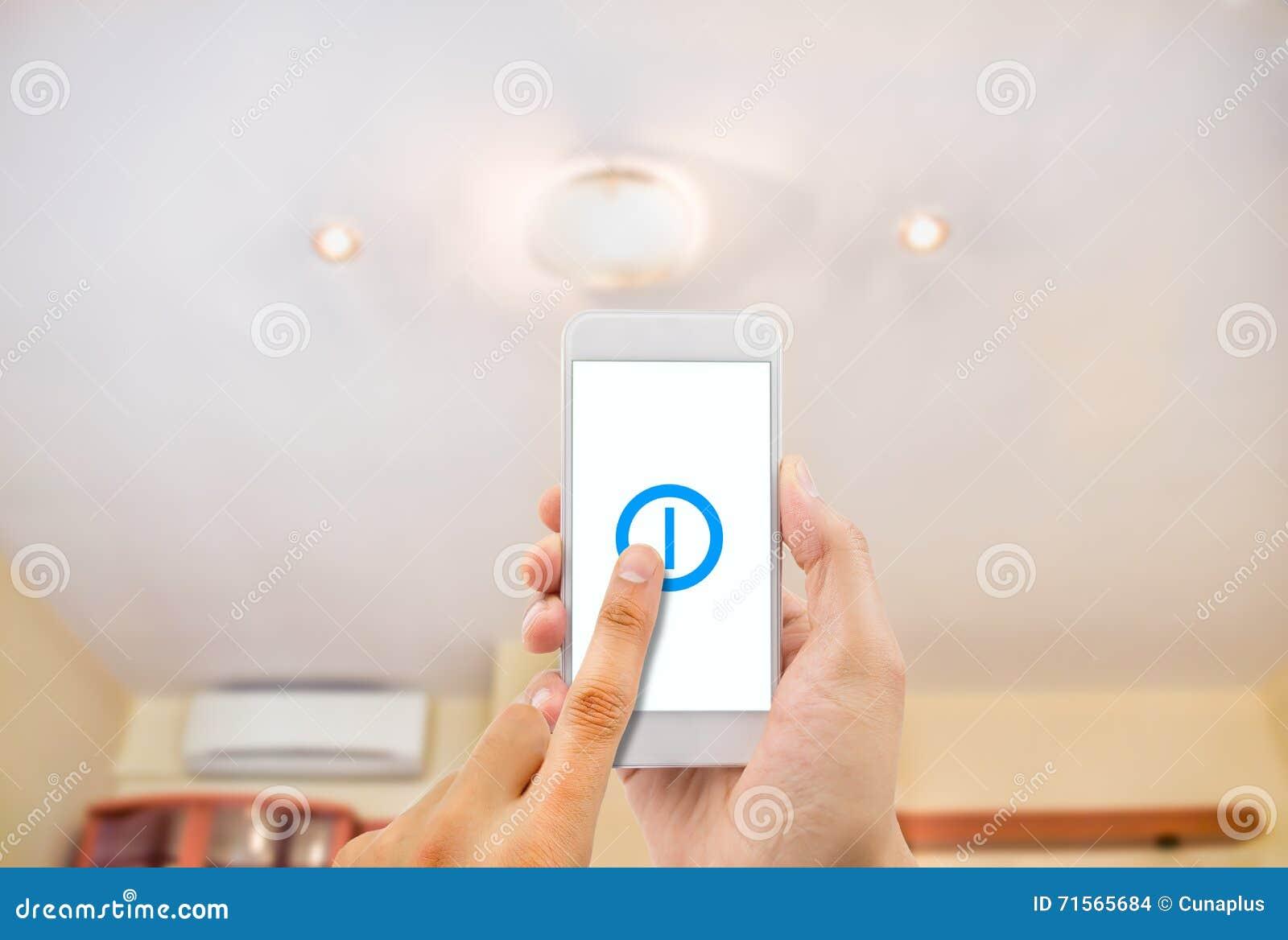 Smartphone контролируя свет