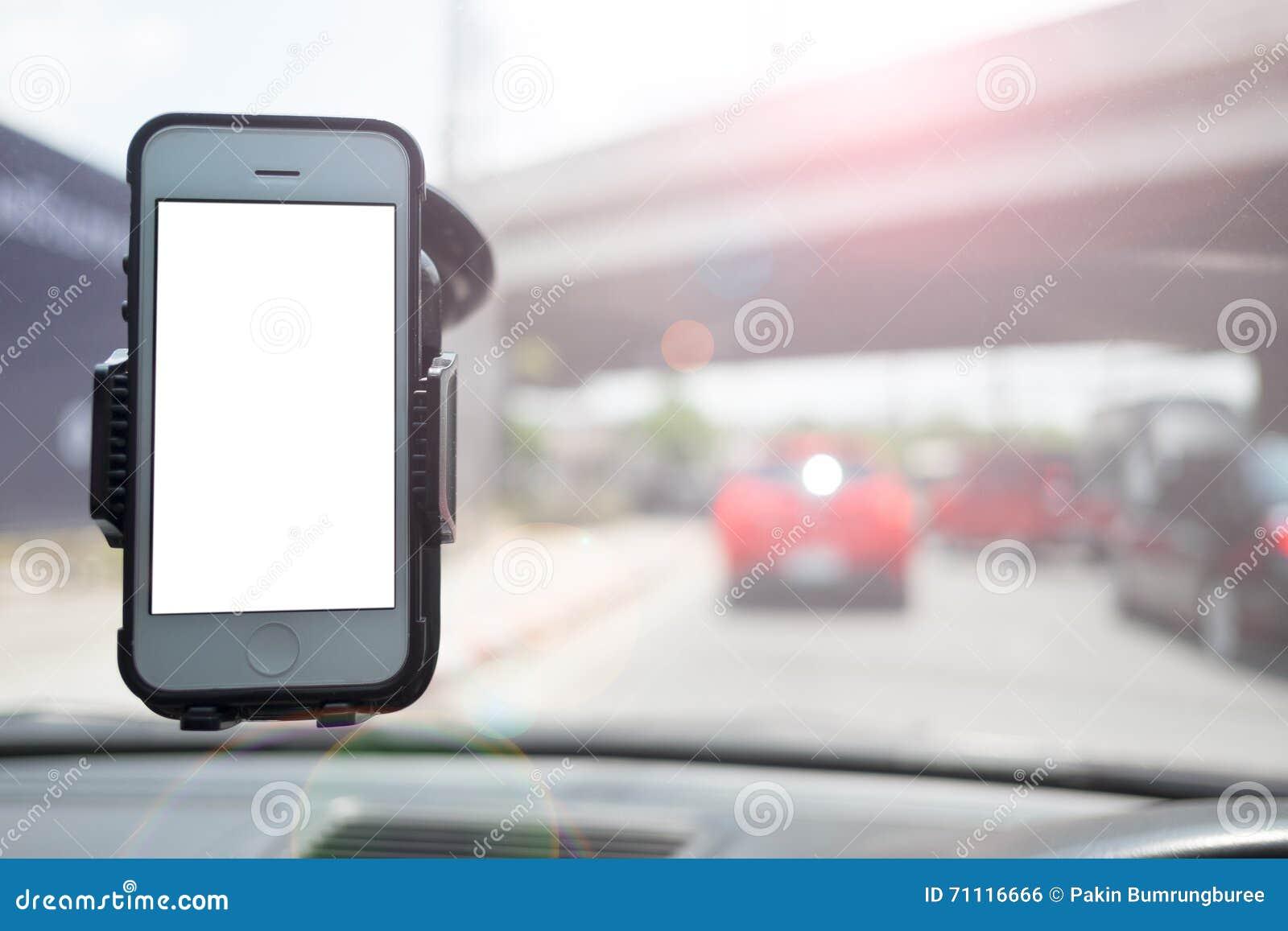 Smartphone in een autogebruik voor Navigate