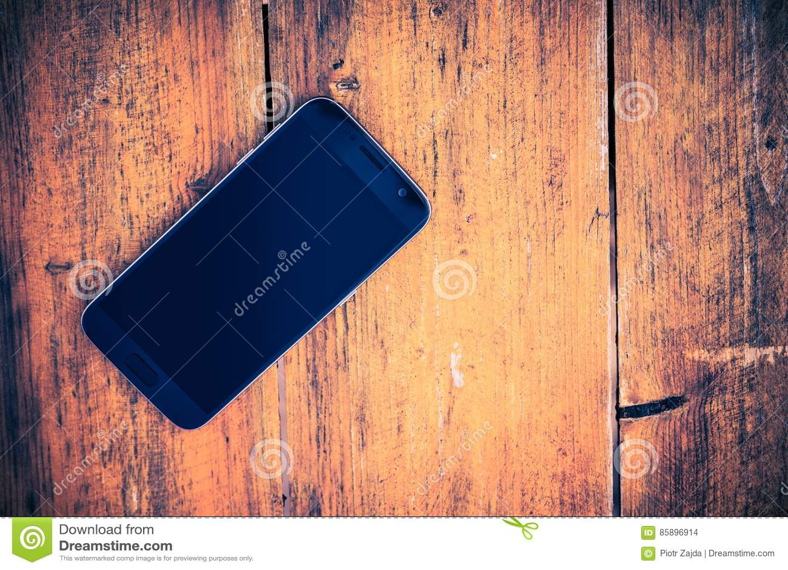 Smartphone op het Hout
