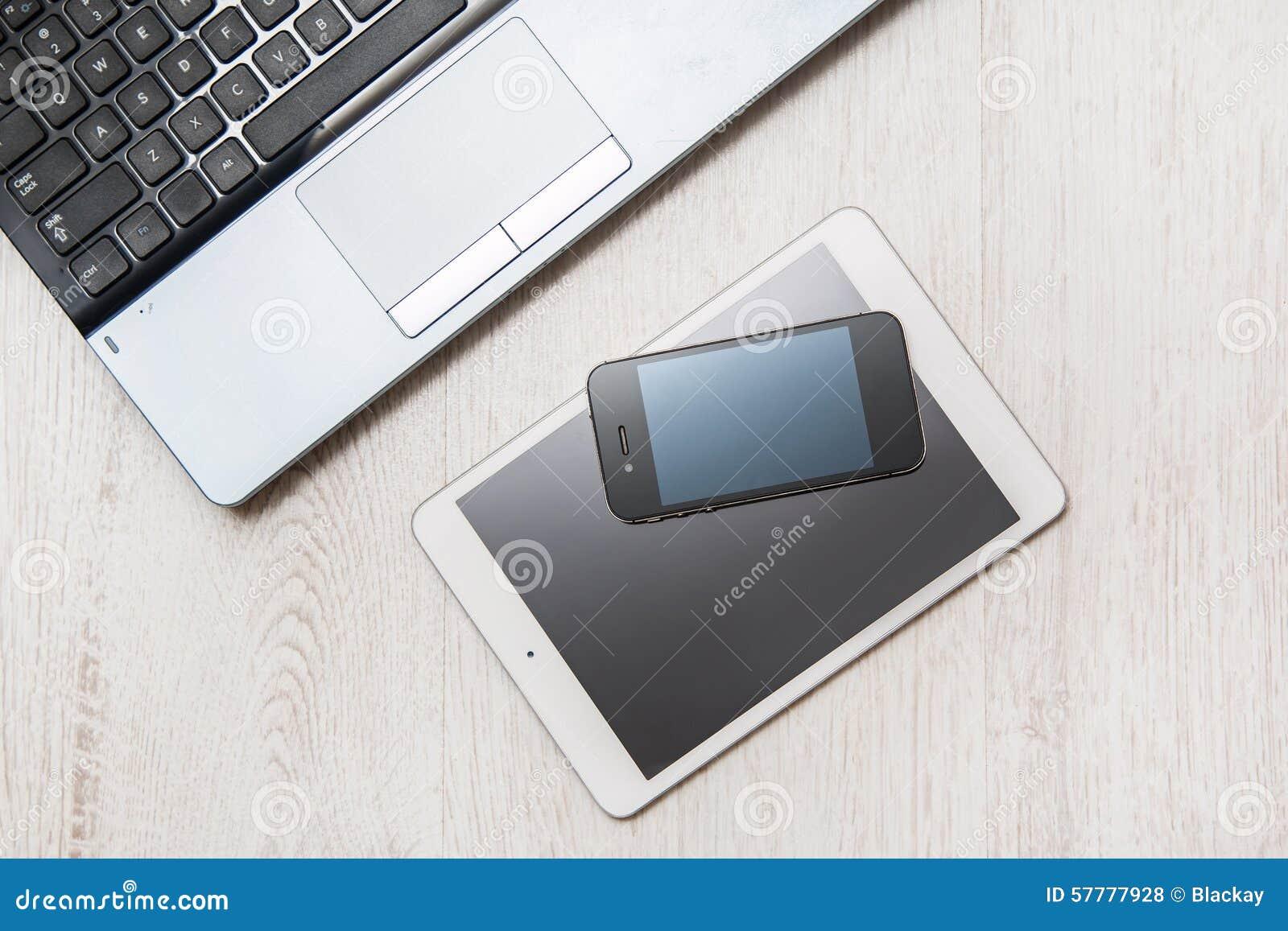 Smartphone, tablet en laptop